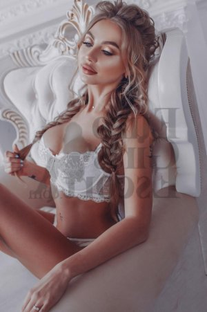 Hyana vip escort girls in Keene