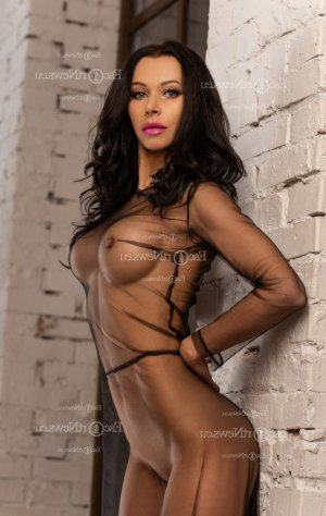 Anne-benedicte escort girl in Nipomo