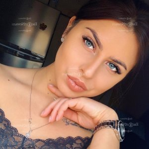 Fikriye escort in Tuckahoe Virginia